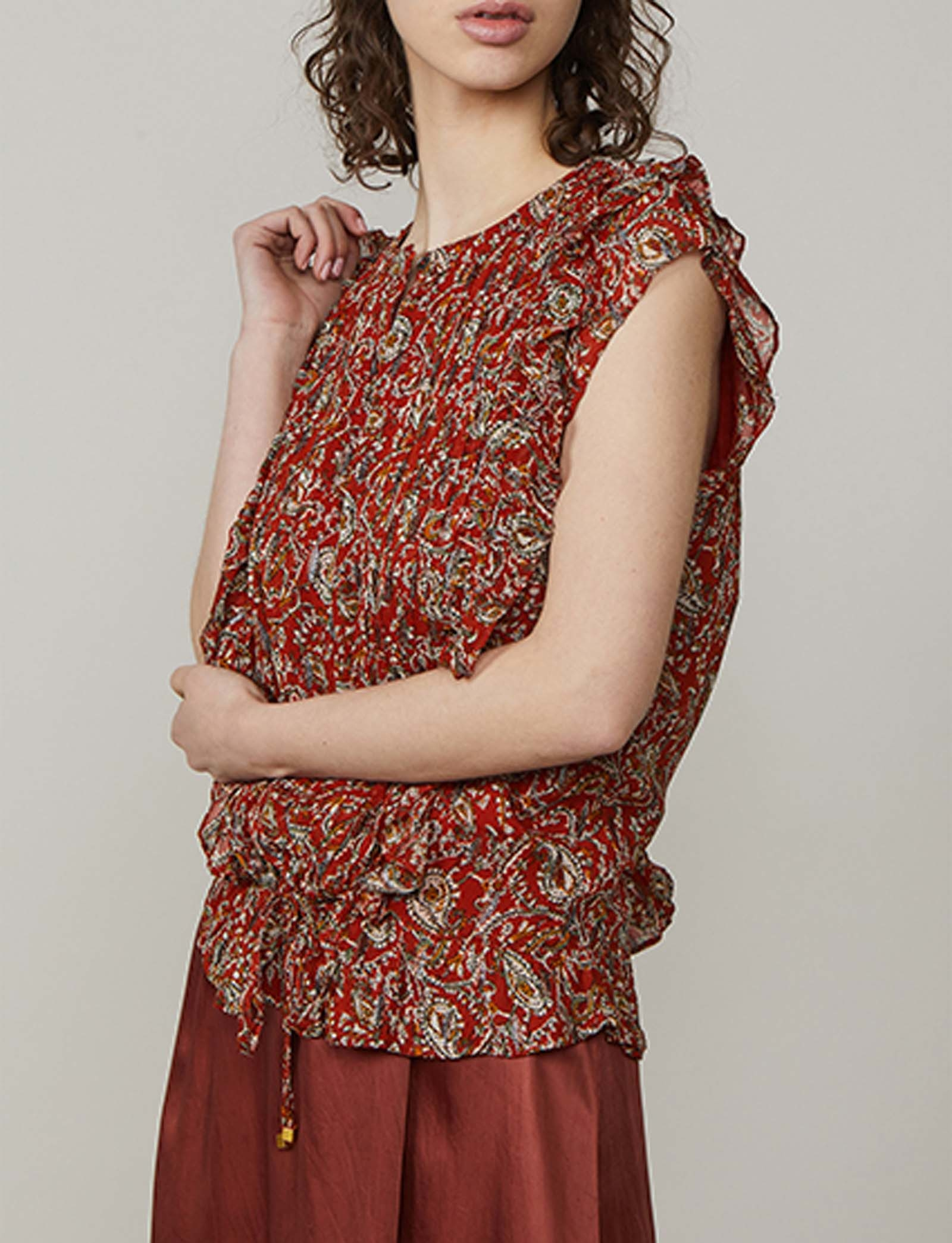 Summum Woman Ruffle Paisley Top Mahogany